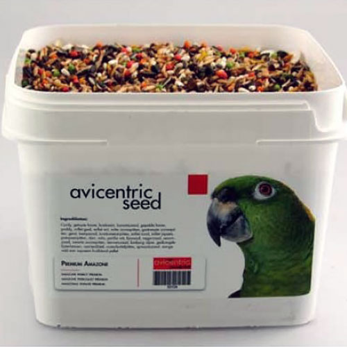 Productlabel AviCentric V.O.F. | Papegaaienvoer Premium Amazone emmer 2kg.