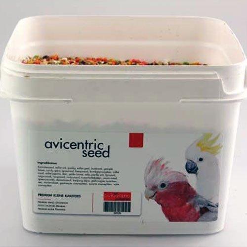 Productlabel AviCentric V.O.F.   Papegaaienvoer Premium Kleine Kaketoe emmer 2kg.